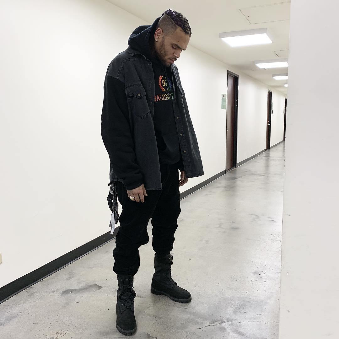 Chris Brown – Want Something
